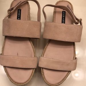 Alice and Olivia Sandals Sz 40 euro (10 US) GUC